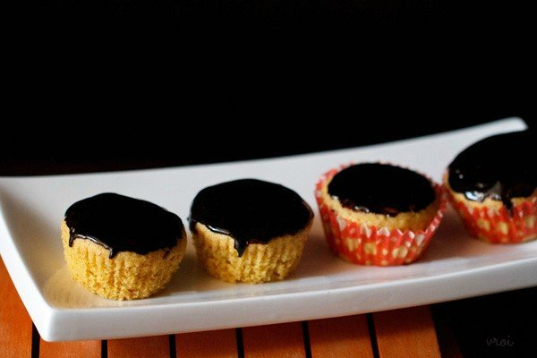 eggless orange muffins recipe chocolate glaze