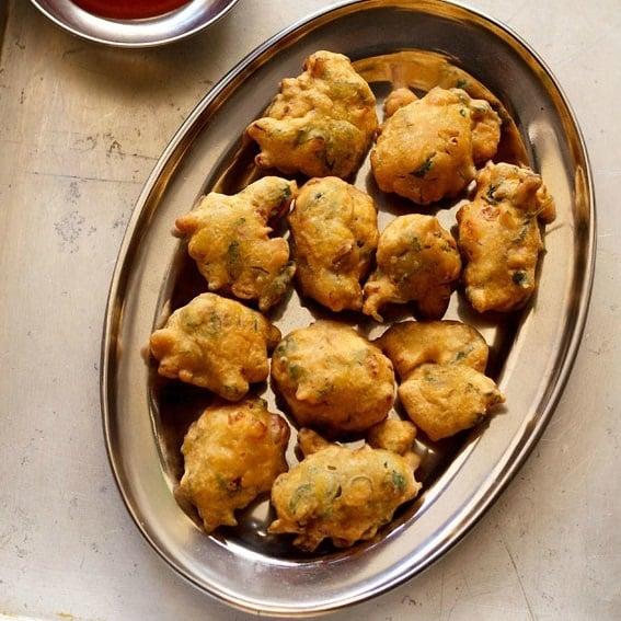 methi pakoda recipe, methi bhajiya recipe, methi pakora recipe