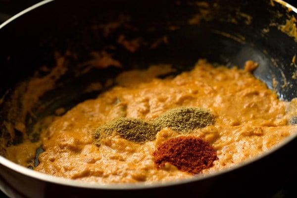 spices for paneer lababdar recipe