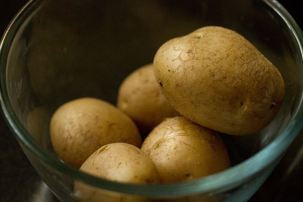 boiled potatoes, aloo