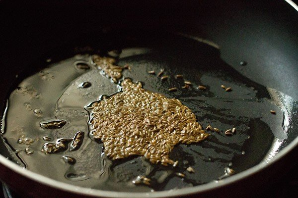 sauting jeera for jeera aloo recipe