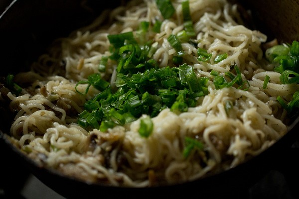 garnishing mushroom noodles recipe