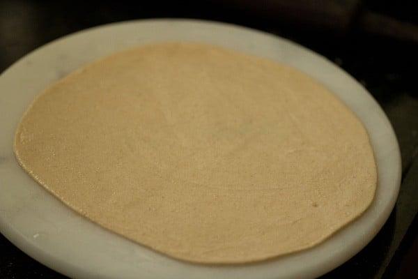 rolling roti - making tandoori roti recipe