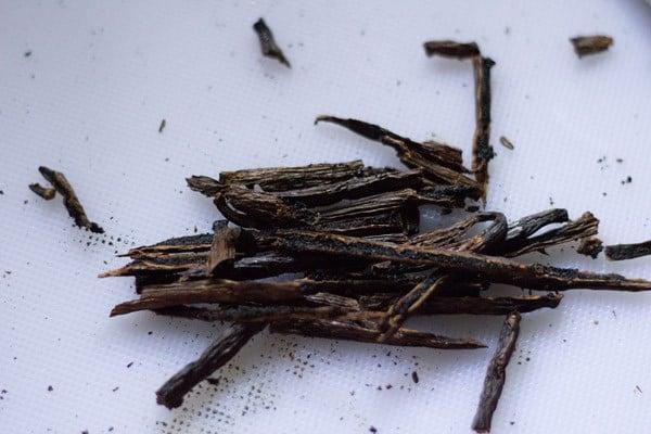 slit vanilla beans for vanilla extract