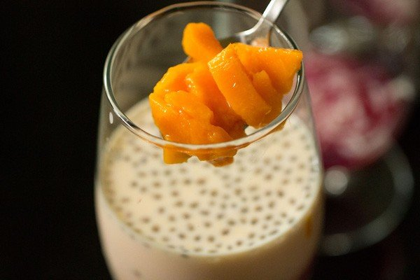 mangoes for mango falooda recipe
