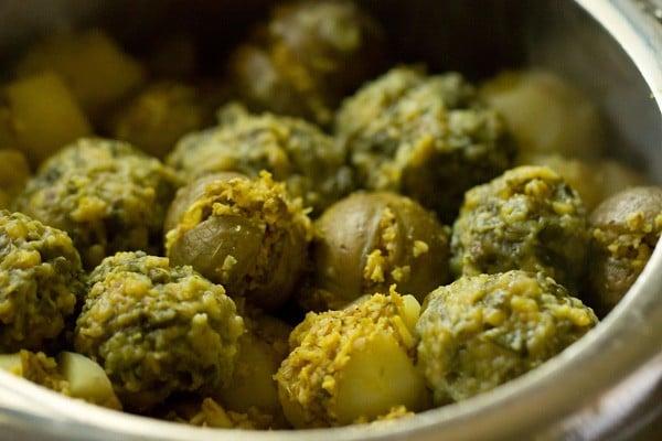 undhiyu recipe, cooked undhiyu recipe