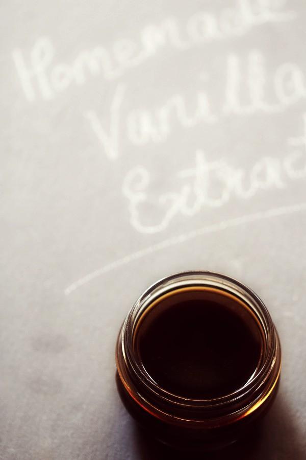 homemade vanilla extract, how to make vanilla extract