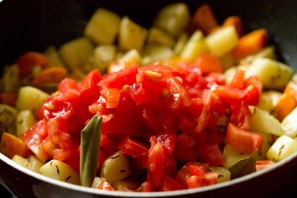 tomatoes for bombay biryani recipe