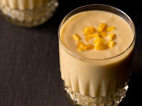 jackfruit shake with coconut milk