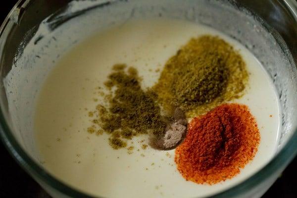 spices for makhana raita recipe