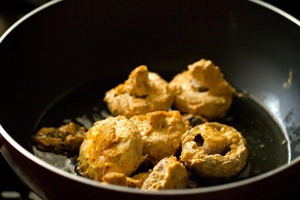 pan frying mushrooms