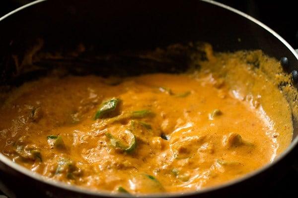 saute mushroom tikka masala curry recipe