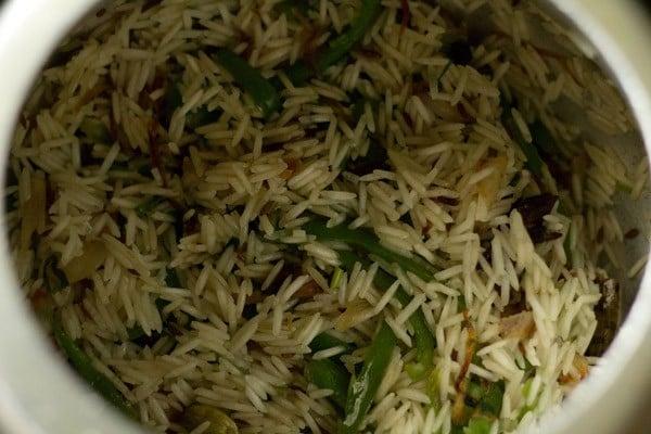 stir capsicum rice