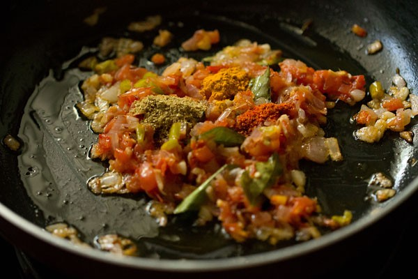 making dahi aloo recipe