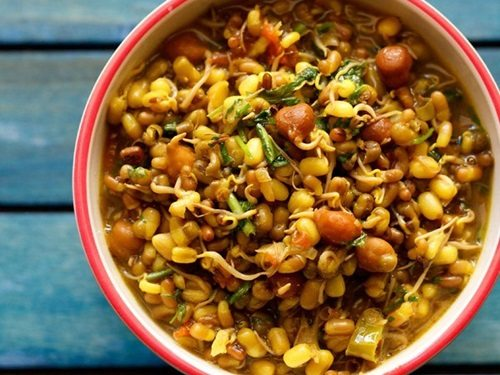 mixed sprouts curry recipe