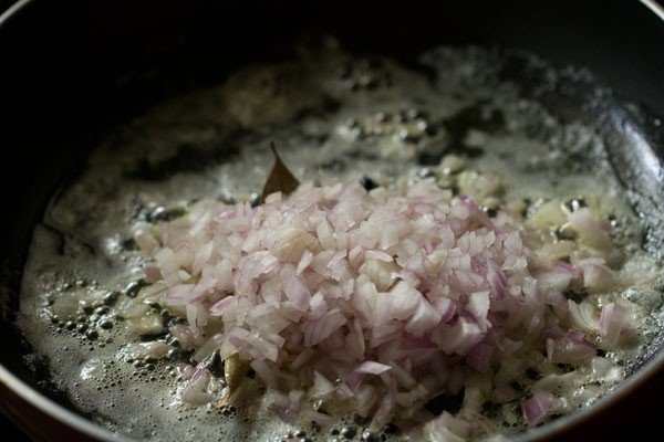 onions for paneer bhurji gravy recipe