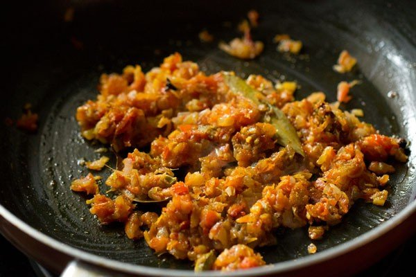 making paneer bhurji recipe