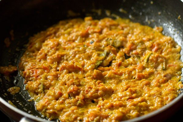 making paneer bhurji curry