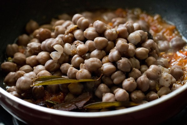 chole for peshawari chole recipe