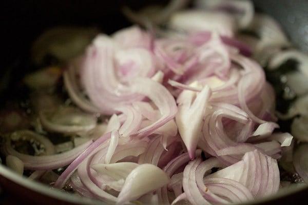 onions for shahi bhindi recipe
