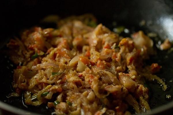 making shahi bhindi curry recipe