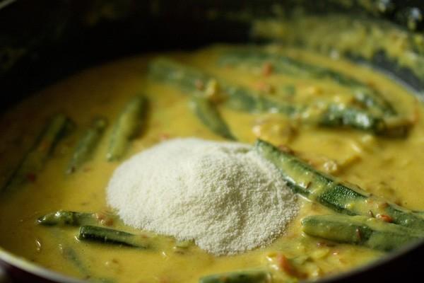 preparing shahi bhindi curry recipe