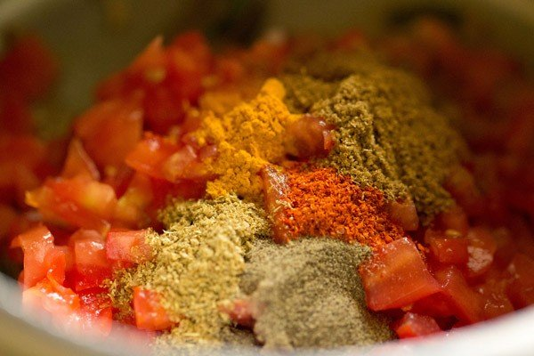 spices for tomato rice recipe