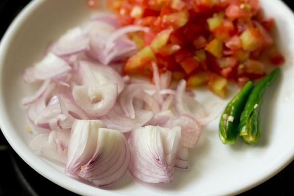 onions for bhindi fry recipe