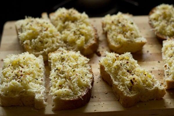 spices for cheese garlic bread recipe