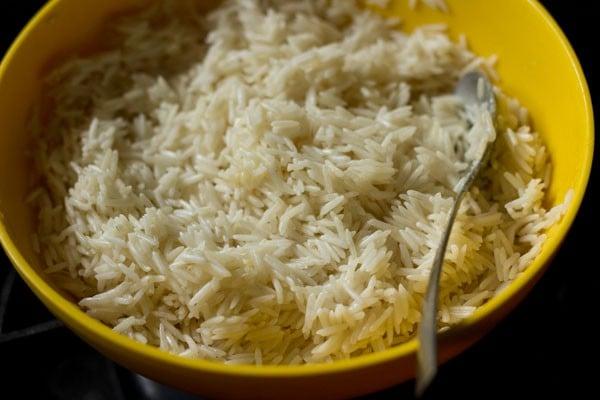 marinating rice for mushroom biryani