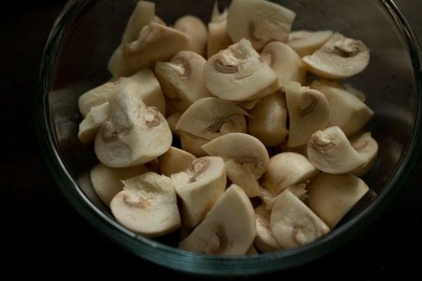 chopped mushrooms for mushroom biryani