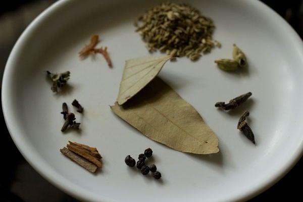 spices for chettinad biryani recipe