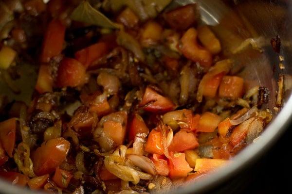 tomatoes for chettinad biryani recipe