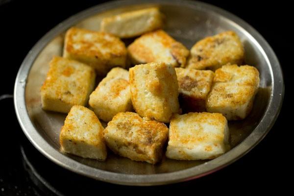 paneer cubes for paneer chilli recipe