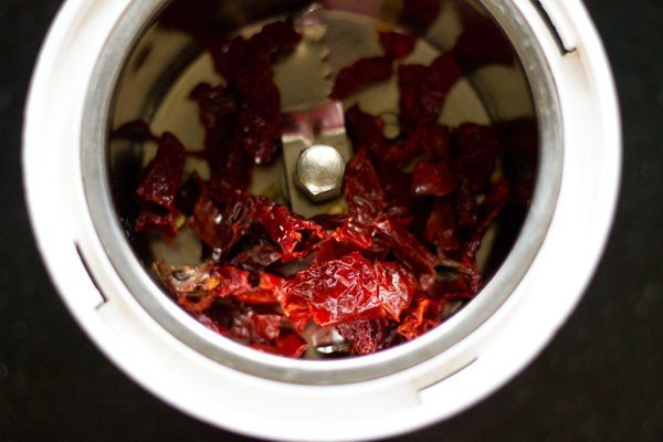 chillies for lasaniya batata recipe