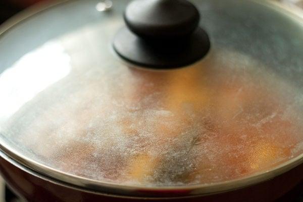 making lasaniya batata recipe