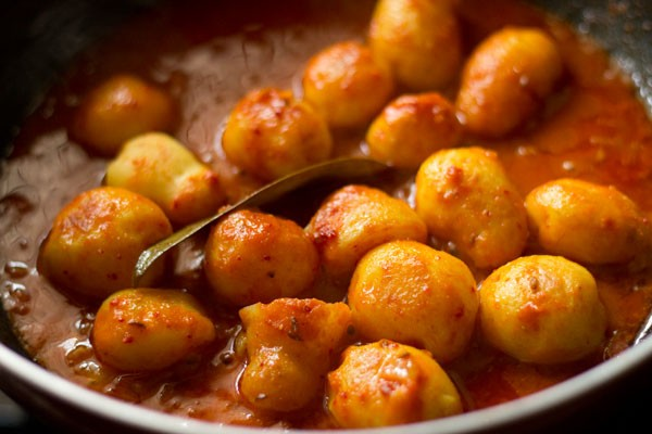 lasaniya batata recipe, lasaniya batata