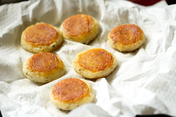 frying patties for aloo kofta recipe