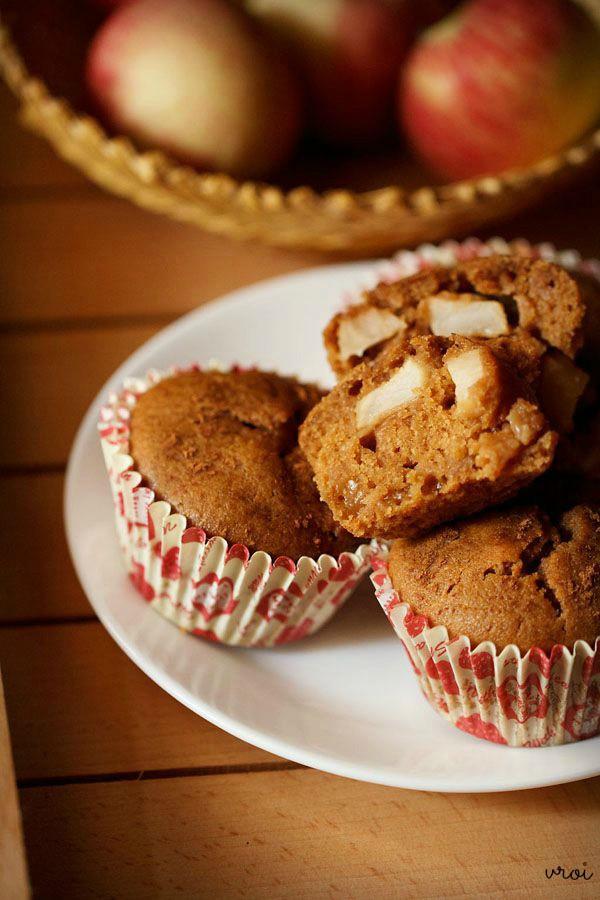 eggless apple muffins, eggless apple muffins recipe. whole wheat apple muffins, apple muffins
