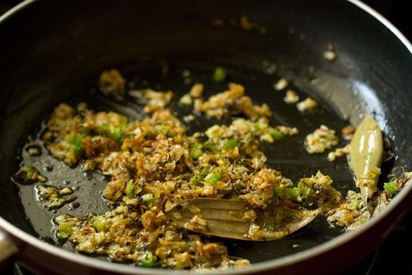 making palak paneer recipe restaurant style