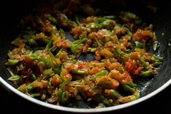 preparing paneer fried rice
