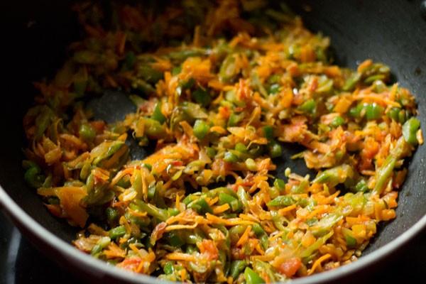 making paneer fried rice