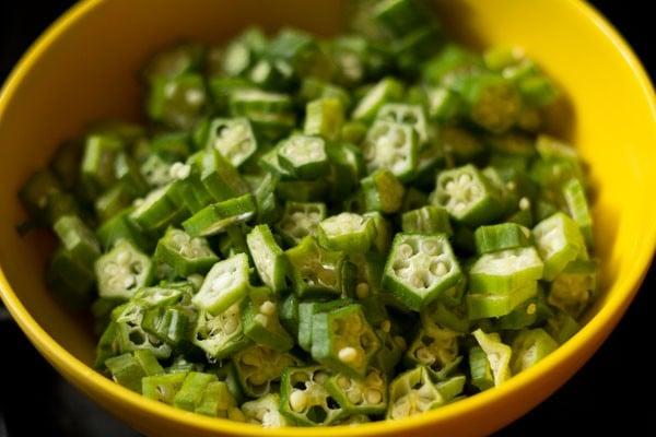 bhindi for vendakkai poriyal recipe