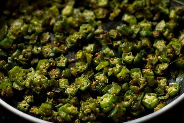 making okra poriyal recipe