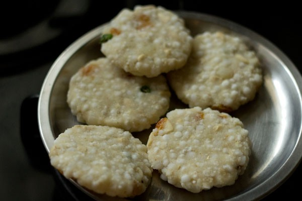 making sabudana tikki recipe