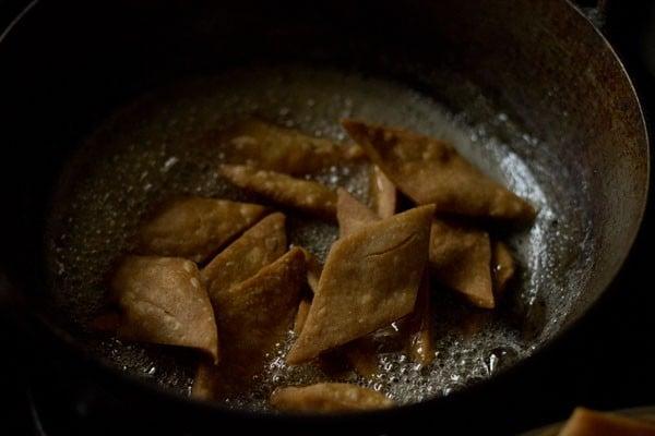 making shakkarpara recipe