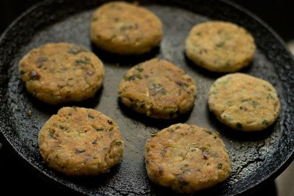 frying suran vada or patties