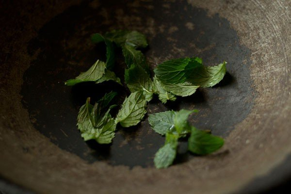 mint leaves for aloo sev recipe