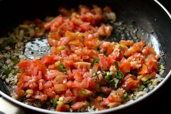 tomatoes for bread upma recipe