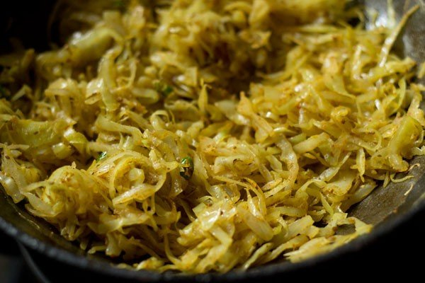 making cabbage paratha recipe